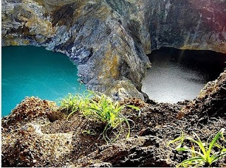 """East Nusa Tenggara province in particular areas of Flores did deviate a very attractive tourist potential. In addition to Komodo Island, one of the other leading attractions of Flores is along  Lake Kelimutu Three Colors at a peak.  Flores is a combination word of """"keli"""" which means mountain and the word """"quality"""" which means to boil. According to local belief, the colors of the lake Flores has the meaning of each and have a very powerful force of nature."""