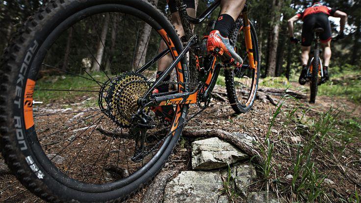SCOTT Sports es líder en el desarrollo, la fabricación, la venta y la comercialización de productos de alto rendimiento destinados al ciclismo, los deportes de invierno y para correr. La innovación, la tecnología y el diseño son la base de los productos de SCOTT y el punto de vista de nuestros ingenieros y diseñadores.