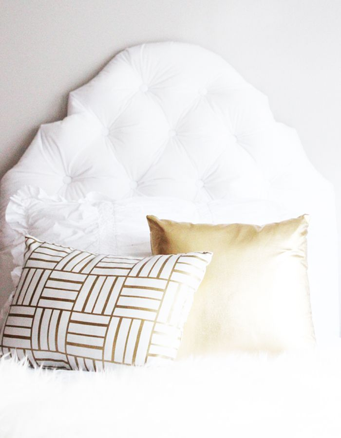 Diy Tufted Throw Pillow : 110 best images about Decor: Pillows on Pinterest