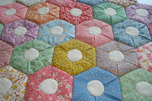 Folded Hexagon Quilt This Is Interesting The Pattern Is