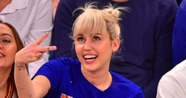 """News/ Miley Cyrus Gets """"Embarrassed"""" at Knicks vs. Cavaliers Game and Showcases Her Signature Look #Entertainment_ #iNewsPhoto"""