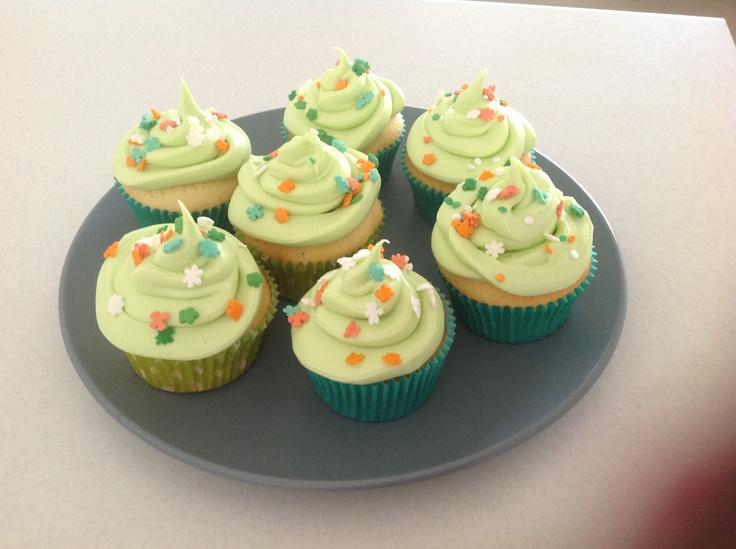St Patrick's Day -vanilla cupcakes