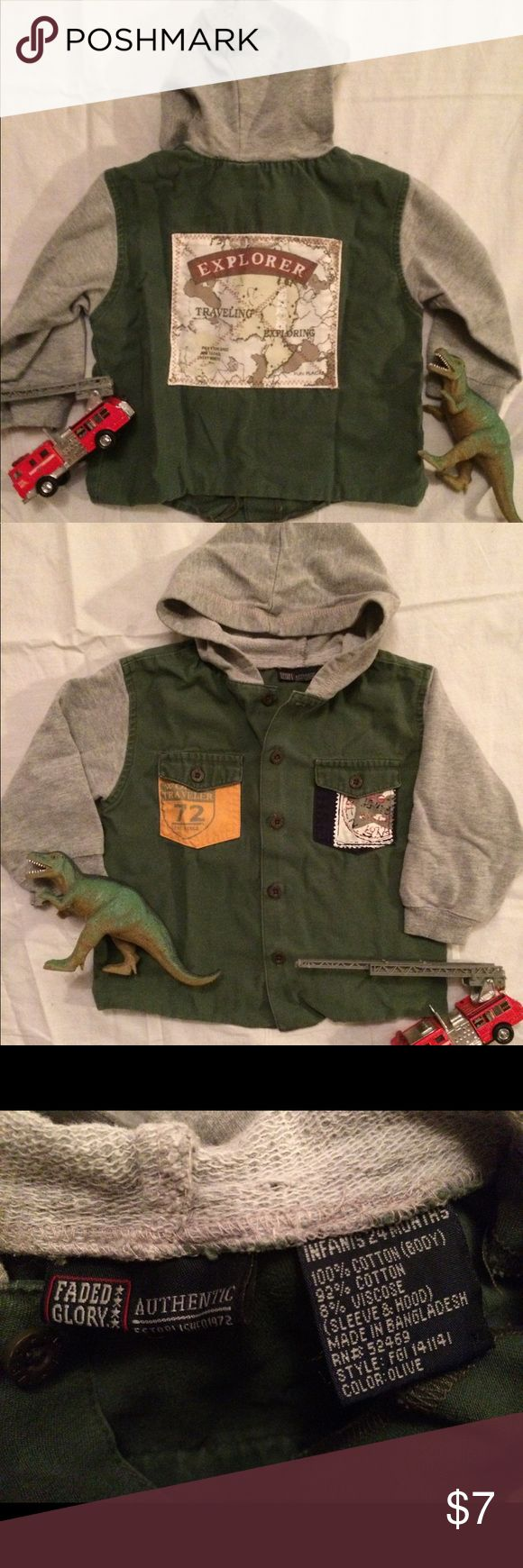 World Explorer jacket/ hoodie, 24mo 🍁Great for fall🍁 Cute little combo of a light jacket with hoodie characteristics. Olive green khaki/ canvas body with soft, grey, French terry sleeves & hood. Decorated with travel themed patches. Button up front & 2 flap pockets.EUC- no stains or rips. Pet friendly home, but stored in pet free room. 10% off bundles of 2 items, 15% off, or special offer, on 3 or more. (Toys for staging only- not mine to sell) Faded Glory Jackets & Coats