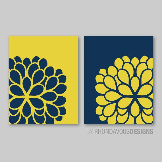 *** You Pick the Size! *** Please select upon check out!    This two-print set features a dahlia flower image in the colors of your choice.