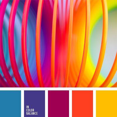 amarillo fuerte, amarillo vivo, amarillo y anaranjado, anaranjado, anaranjado fuerte, azul oscuro fuerte, azul oscuro y violeta, colores contrastantes, elección del color, elección del color para decorar un salón, matices vivos, tonos vivos, violeta y rosado.