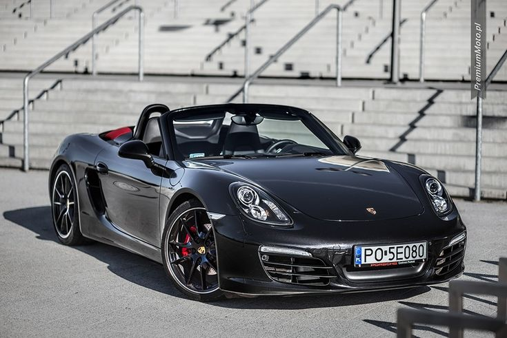 Porsche Boxster S (981) jet black with red top. Full gallery @premiummoto.pl #porsche #boxster