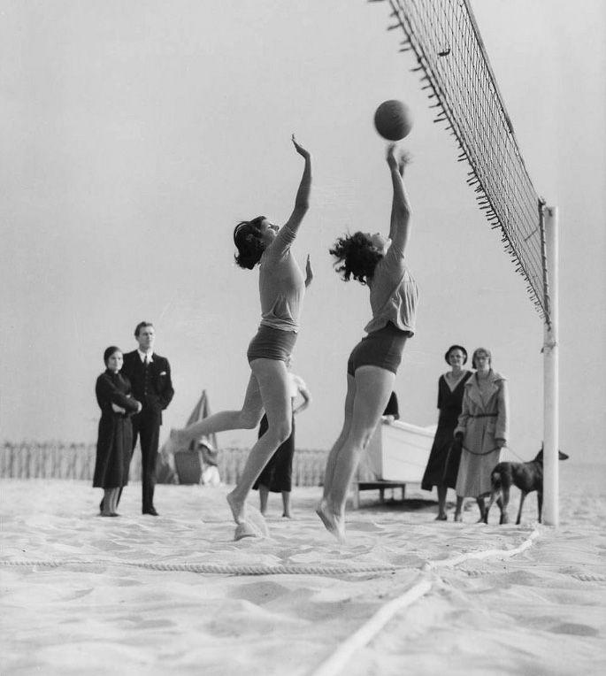 Water And Power Associates Volleyball Photos Volleyball Beach Volleyball Court