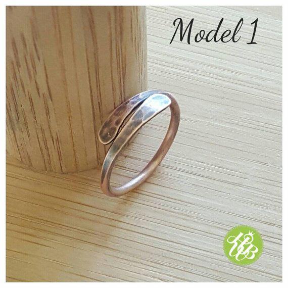Dunne koperen band ring draad ring minimalistische ring vriendschap ringen boho ring beste vriend cadeau gehamerd ring wire wrapped ring unisex ring