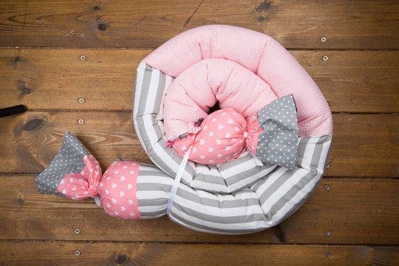 Baby culla paracolpi cuscino lungo colorato In rosa di BandanaShop
