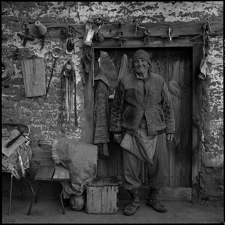Старик и его вещи. Кипр,2002