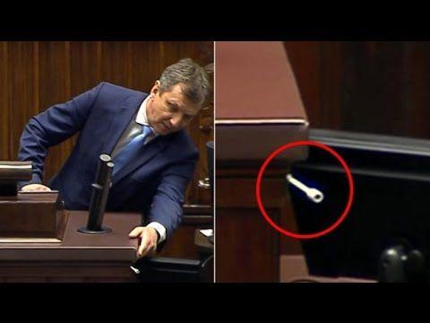 Halicki szaleje na mównicy i szuka ... podsłuchu! ZOBACZ!   Fronda.pl