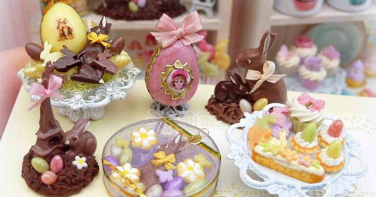 We've just unleashed the latest series of Easter miniatures into the wild.  Here are some of them... Available in our Etsy...