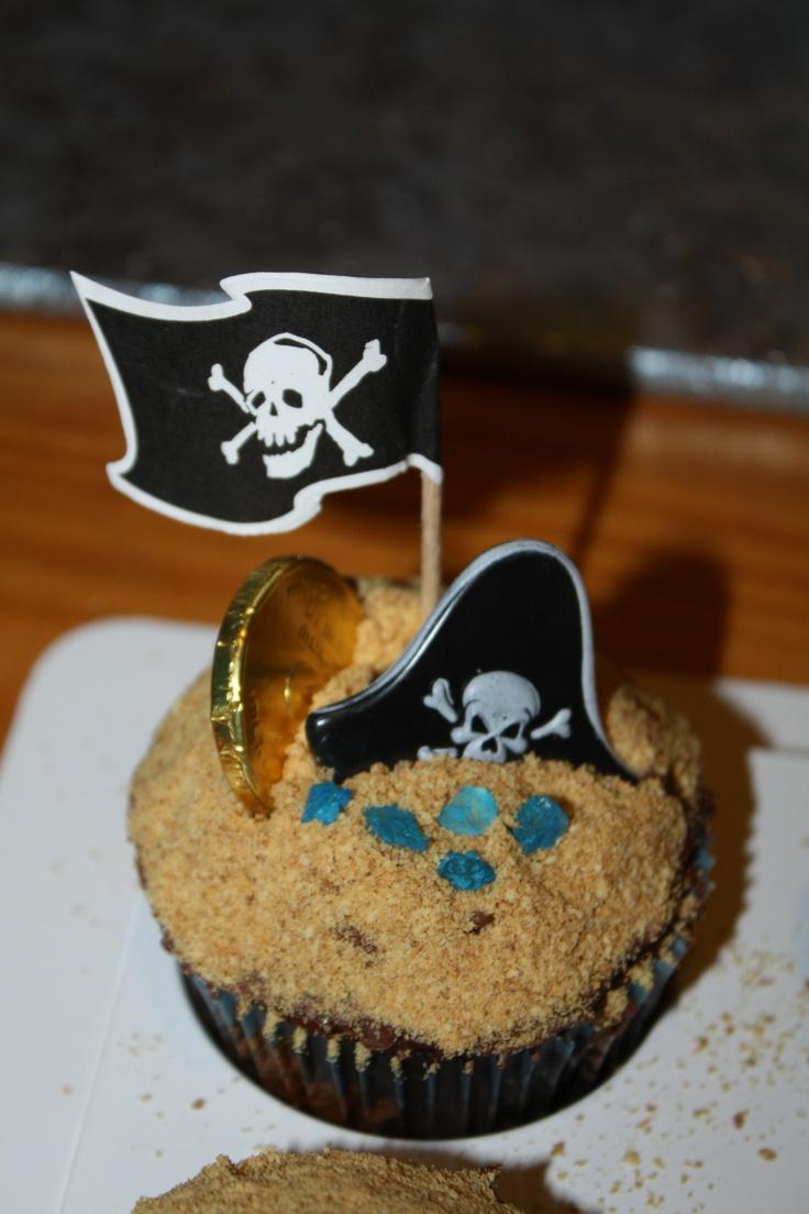 pirate birthday cupcakes