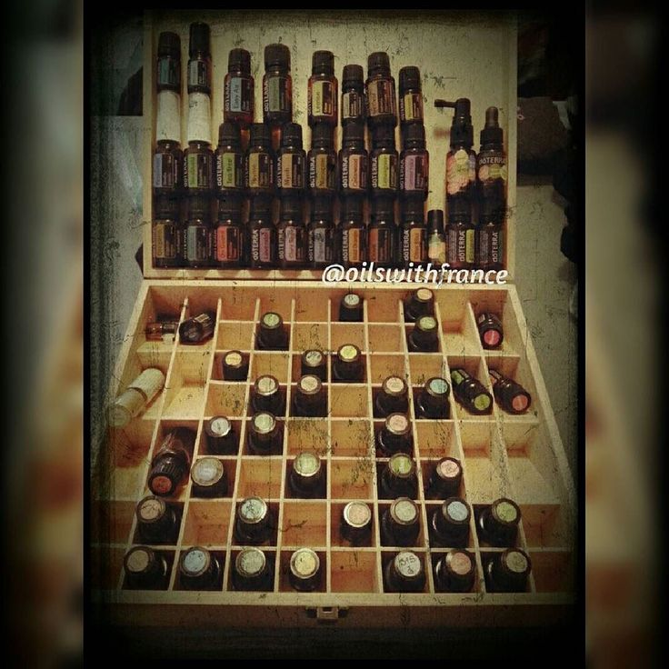 On Sunday mornings I often find myself putting back in their box all the bottles we used during the week. I love that my oils not only smell nice but they are useful for so many things.  Let me know if you'd like to find out more!  #essentialoils #doterra #oilswithfrance #nonasties #cptg #sundaymorning mydoterra.com/fstewart