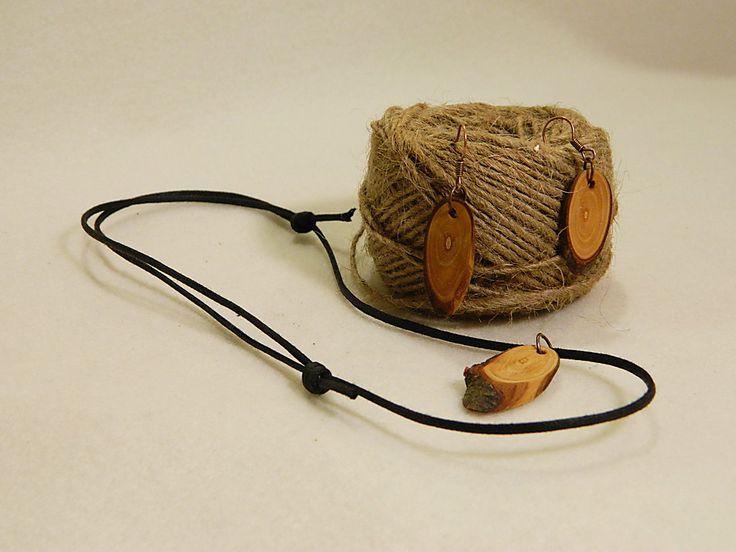 """Wooden earrings & necklace """"Elegant way II"""" by balintARTline on Etsy"""