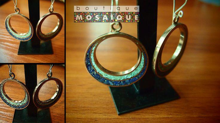 Aros en cobre y relleno de piedras turquesas y lapislazuli , con gancho de plata