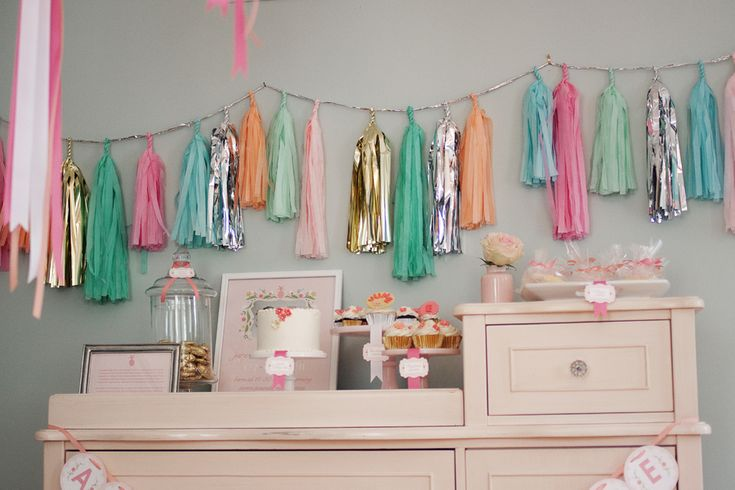 We're seeing tons of tissue tassels in the #nursery and in #partydecor!Shower Ideas, Baby Girls Shower, Paper Garlands, Summer Baby, Parties Ideas, Pom Pom, Desserts Tables, Tassels Garlands, Baby Shower