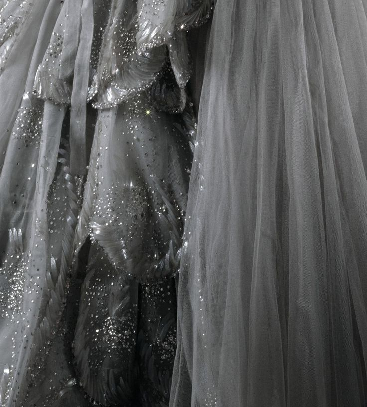 Detail of the 'Venus' dress presented in Christians Diors Autumn/Winter 1949 collection
