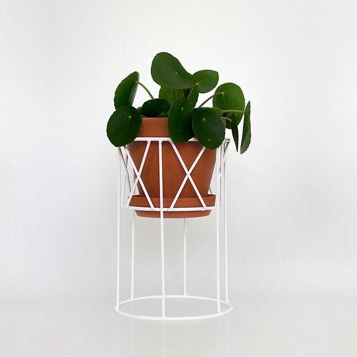 Tilbud i denne uge: 30 % rabat på Flora pidestal hos Urban Garden Company.