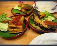 Pecel Lele - Indonesian food bangeet :)