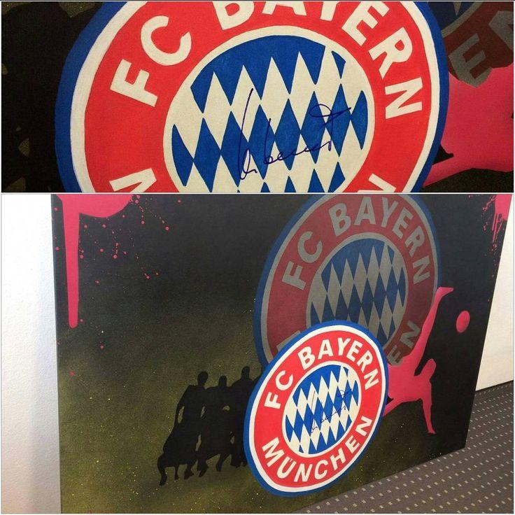 Uli Hoeneß signature the FC Bayern München Canvasjob from Moridgraff!  Great #aufjedeart#moridgraff#fc#bayern#münchen#fcbayern#fcbayernmünchen#job#canvas#logo#red#white#football#fussball#foot#ball#fan#uli#hoeneß#ulihoeneß#signature#autograph#unterschrift