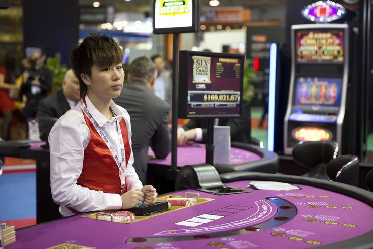 Macau Casino Employees Less Satisfied in Workplace but More Confident in Career Outlook