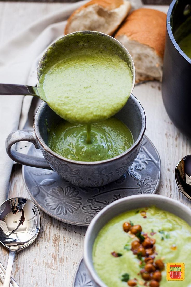 A deliciously satisfying way to add healthy green foods to your diet! This thick, Easy Broccoli Soup is perfect for a supper starter, easy lunch or midweek meal. It's quick to throw together, totally nourishing, feel-good food that gets a nice crunchy kick from the Spicy Roasted Chickpeas scattered on top. #SundaySupper #EasyRecipes #HealthyGreenFoods #SoupRecipe #BroccoliRecipe #HealthyRecipe #RoastedChickpeas