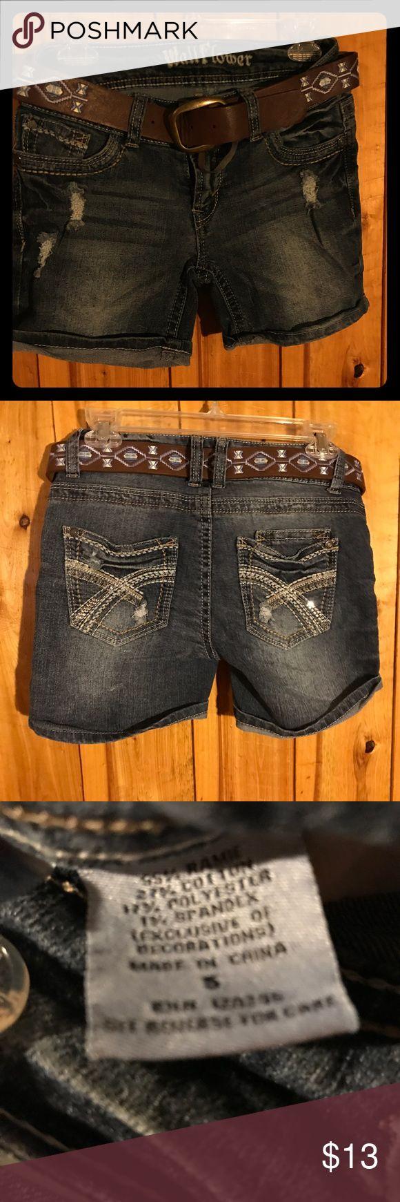 Wallflower jean shorts size 5 Wallflower jean shorts size 5 Wallflower Shorts Jean Shorts