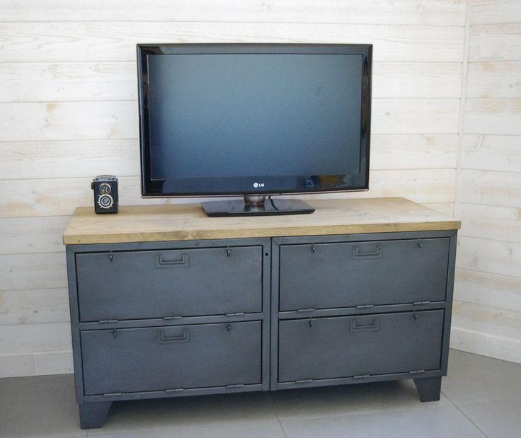 53 best images about cr ation restauration de meuble industriel on pinteres - Renover un meuble industriel ...