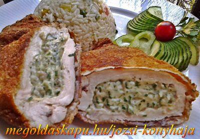 Zöldfűszeres, krémsajtos csirkemell http://megoldaskapu.hu/csirkemell-receptek/zoldfuszeres-kremsajtos-csirkemell • 4 db csirkemell filé • 1/2 cs snidling • 3-4 levél friss bazsalikom • 3-4 levél friss oregánó • 4 db cikk /medve, mackó vagy bár milyen natúr /kenhető sajt • só • őrölt fehér bors A panírozáshoz: • finomliszt • ...