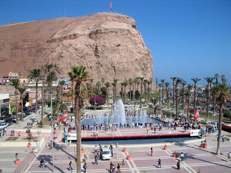 El morro de Arica es un cerro costero, que tiene unos 130 m de altura, emplazado al sur del espacio urbano de Arica, en la Región de Arica y Parinacota, en el norte de Chile. Es el mayor referente turístico y simbólico de la ciudad. Fue declarado Monumento Nacional el 6 de octubre de 1971..jpg (800×600)