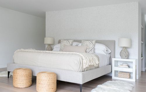 DOMINO:A Dated Hamptons Beach House Gets a Minimalist Makeover