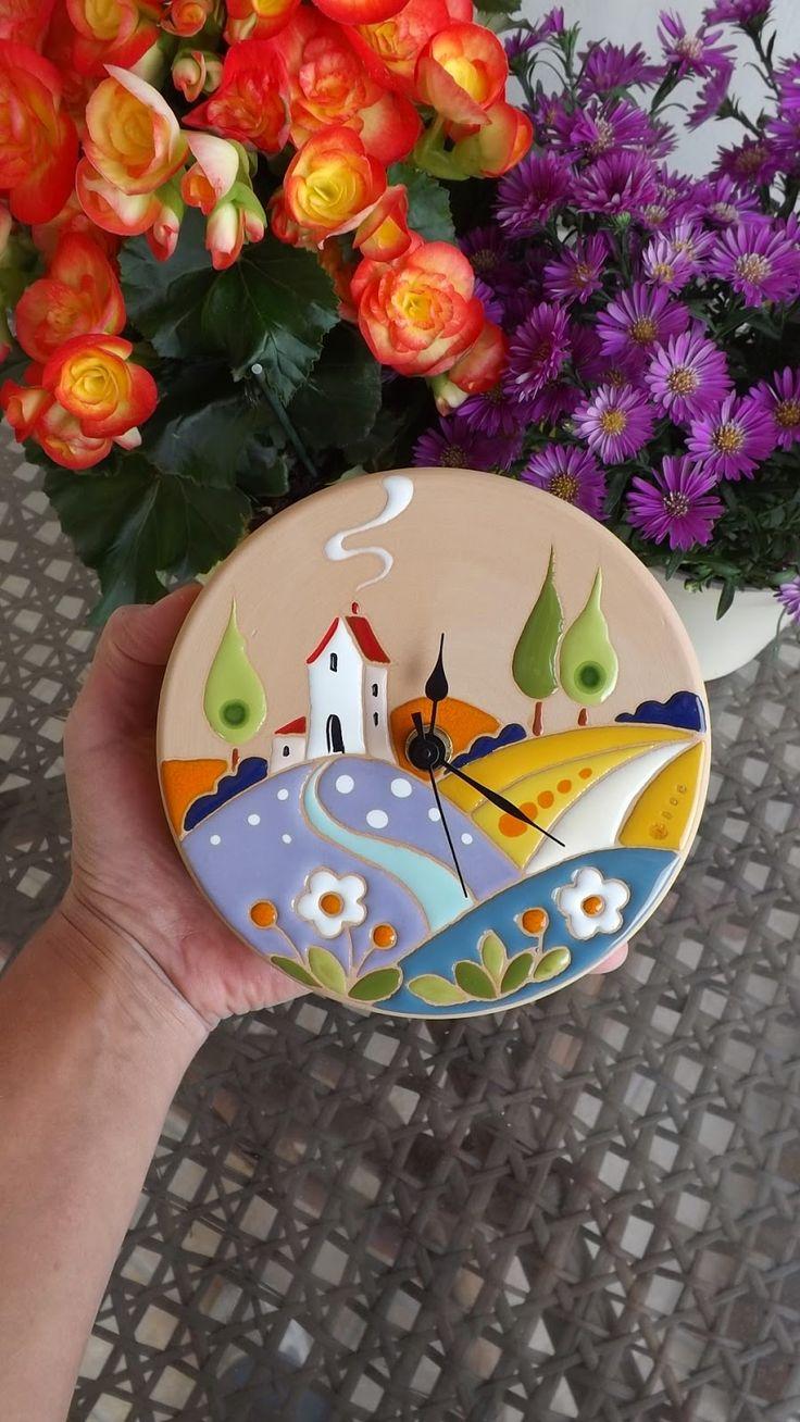 ceramica come mestiere: Orologio da parete con scena campestre. ceramica c...