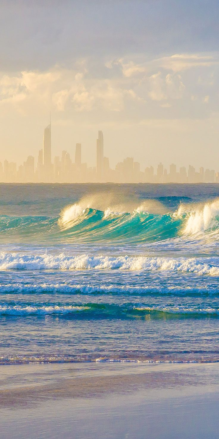 Gold Coast surf - by Jewels Lynch
