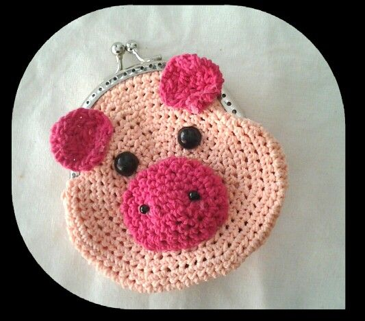 Pigglet frame pouch. made from Indonesia polyester yarn