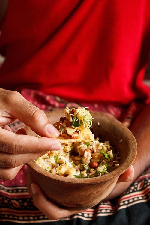 bhel-puri. indian street food. beans and puffed rice salad. #vegan