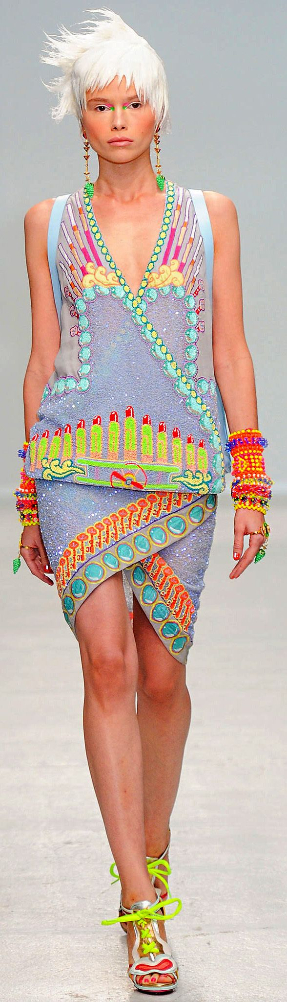 Spring 2014 Ready-to-Wear Manish Arora                                                                                                                                                                                 More