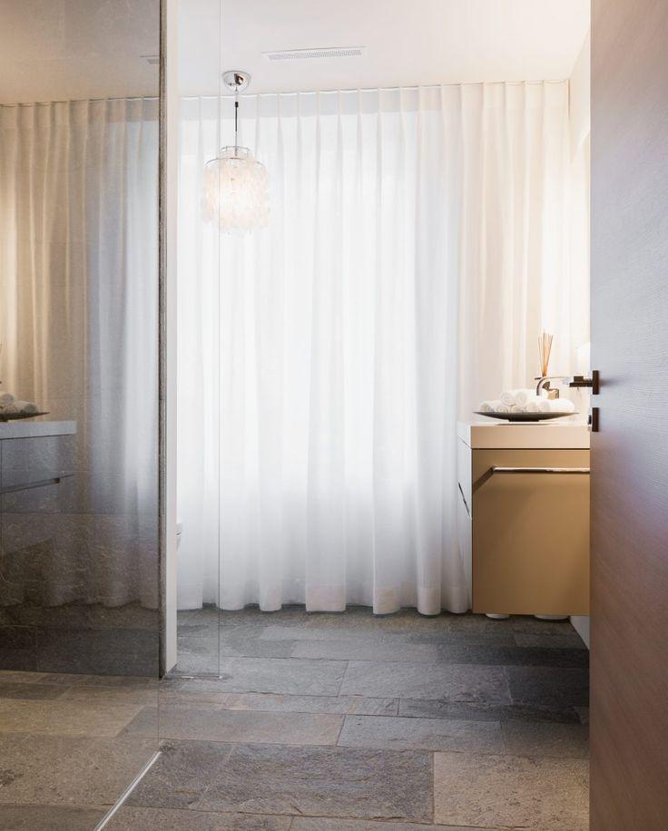 Hellas Quarzit Im Bad Mit Begehbarer Dusche | Naturstein Badezimmer |  Pinterest | Begehbare Dusche, Begehbar Und Terrassenwohnung