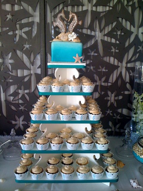 seahorse wedding cake/cupcakes. YES! this is how I want the cake setup  :)