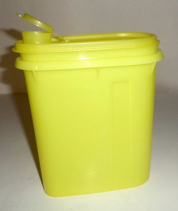 Vintage Tupperware Drink Container  Small Drink by carriesattic