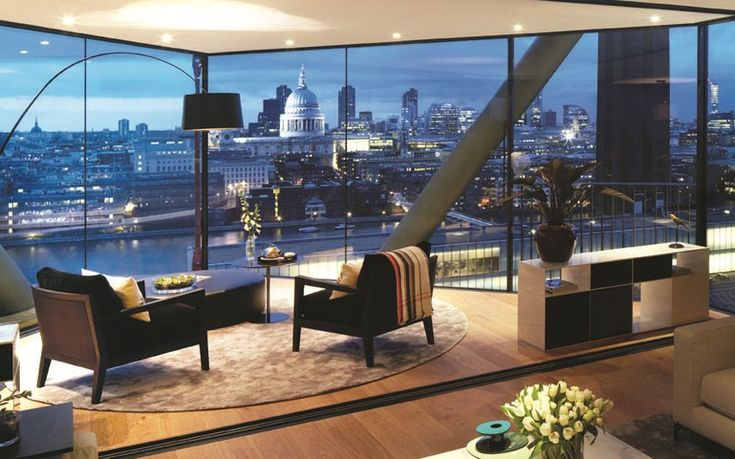 Neo Bankside is the pinnacle of luxury. This waterside development is right next to Tate Modern. High ceilings, three bedrooms and an amazing view of the stunning London skyline.