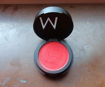 East - A stunning blush from swedish brand Make Up Store. It´s bright red, matte and  probably works best as an eyeshadow.