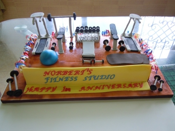 Birthday Cake Images Gym : 44 best images about Gym Cakes on Pinterest