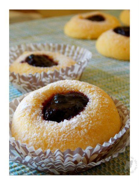 Biscottini che si sciolgono in bocca, non l'avrei mai detto e invece sono davvero ottimi. La ricetta è tratta da Luca Montersino, ma lieve...