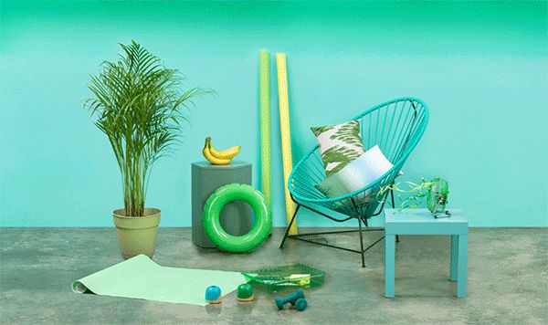 Sabor a Miel's spirit is relaxed, it remind us of bare feet and afternoons surrounded by friends. A new project by Futura.