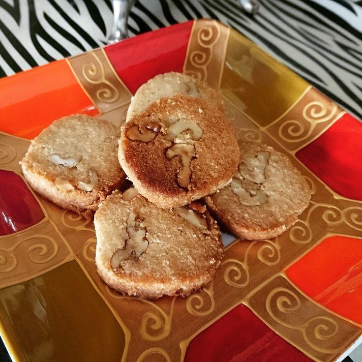 Sablés céto sans sucre et sans farine, sans gluten, recette idéale pour diète cétogène et pour diabétiques.