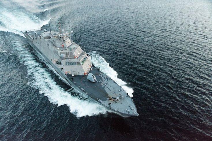 USS Little Rock (LCS 9), lớp LCS, phiên bản Freedom được đưa vào vận hành từ ngày 16/12/2017. Tàu được vũ trang pháo 57 mm, tên lửa hải đối không RIM-116 SeaRam, 2 súng máy 12,7 mm, 2 trực thăng MH-60 và trực thăng không người lái MQ-8 Fire Scout. Giới phân tích quân sự chỉ trích mạnh mẽ chương trình LCS vì vũ trang kém và nhiều lỗi kỹ thuật.