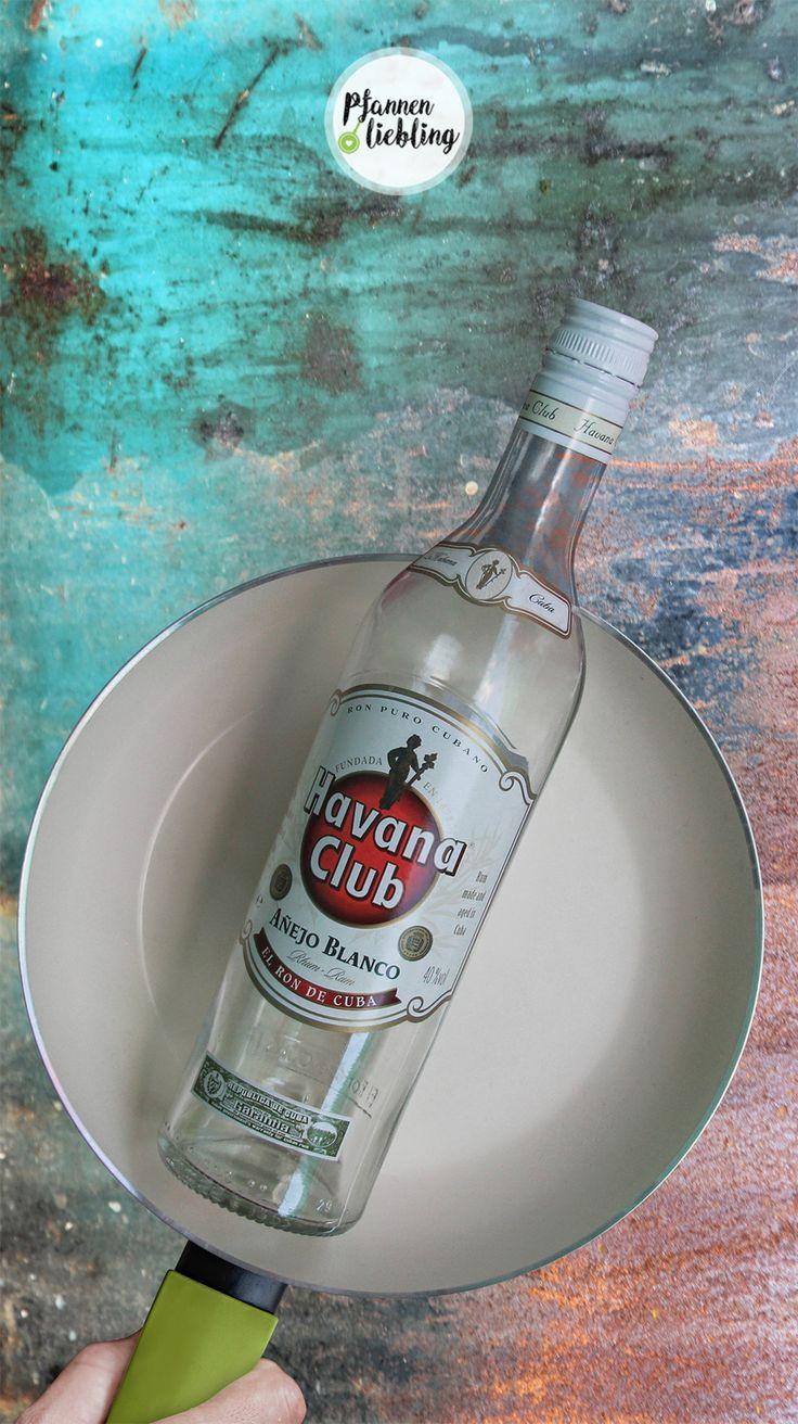 Mojito: * 5cl Havana Club Añejo 3 Años * 2 Barlöffel weißer Rohrzucker * Frischer Limettensaft * 2-3 Stängel frische Minze * 9cl Sodawasser * Eiswürfel