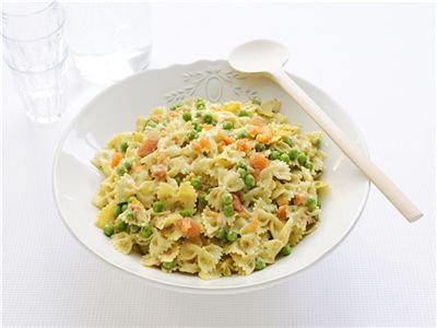 MAGGI > Recept > Pasta met zalmsnippers, pesto en doperwten
