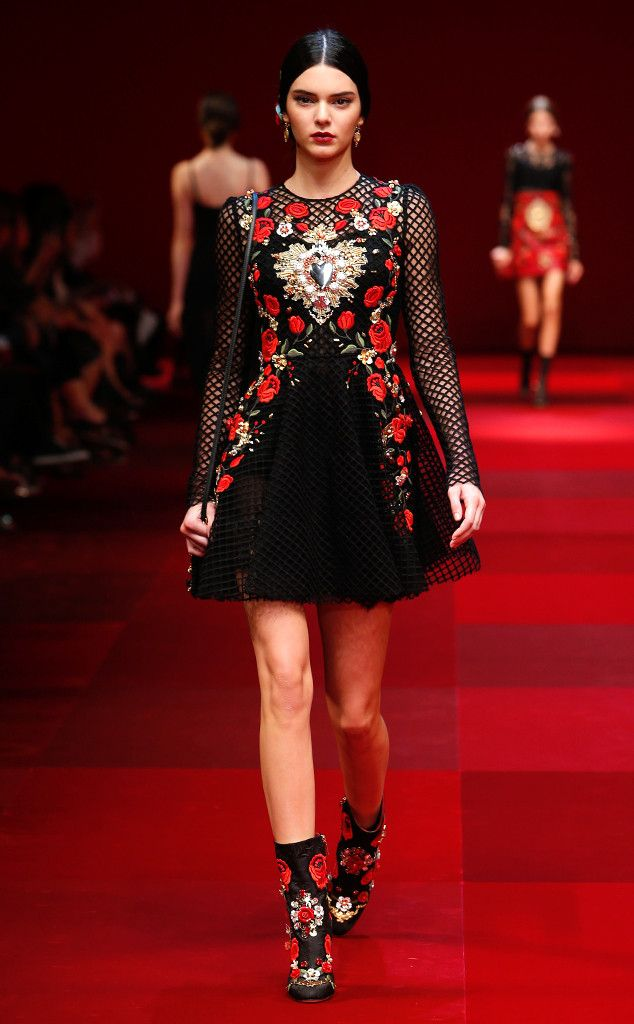 Kendall Jenner Is Front and Center at Dolce & Gabbana's Milan Fashion Week Show—Take a Look! Kendall Jenner, Dolce & Gabbana, Milan Fashion Week, Best Looks